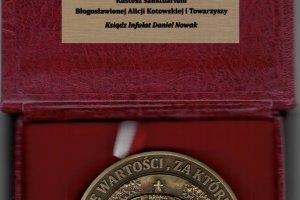 2020-10:::1602237908-medal-piasnica-internet.jpg